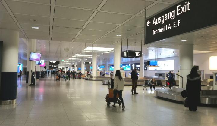 ミュンヘン空港 預入れ荷物受取り バゲージクレーム