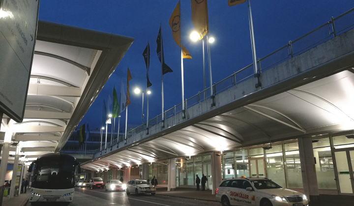 ミュンヘン空港 バス停留所
