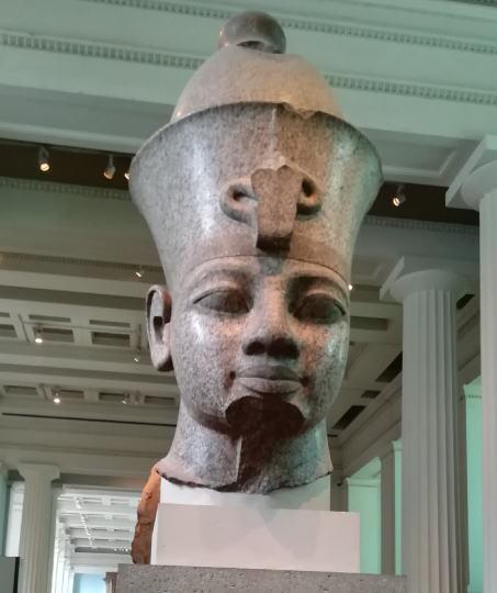 アメンホテプ3世の頭部
