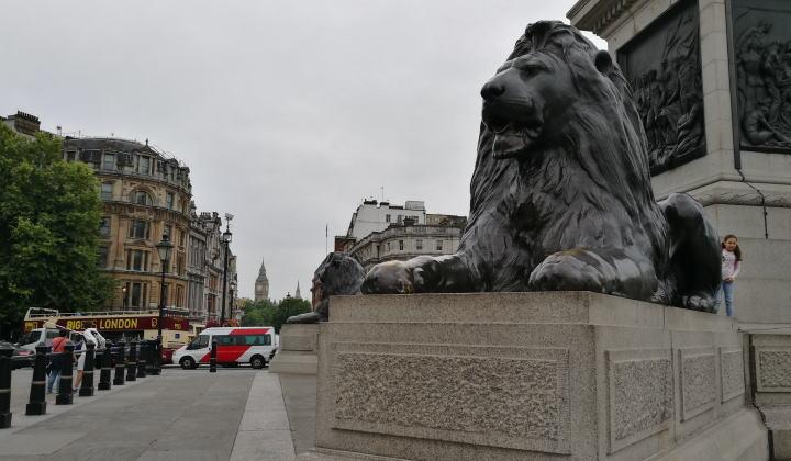 トラファルガー広場のライオン