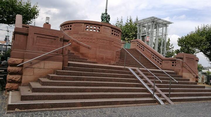 アイゼルナー シュテグ(鉄の橋)入り口