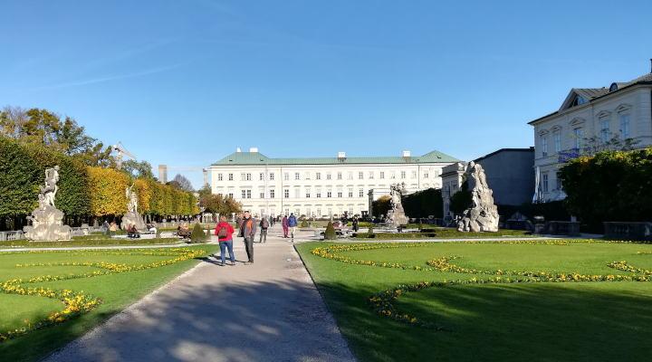 ミラベル宮殿・庭園