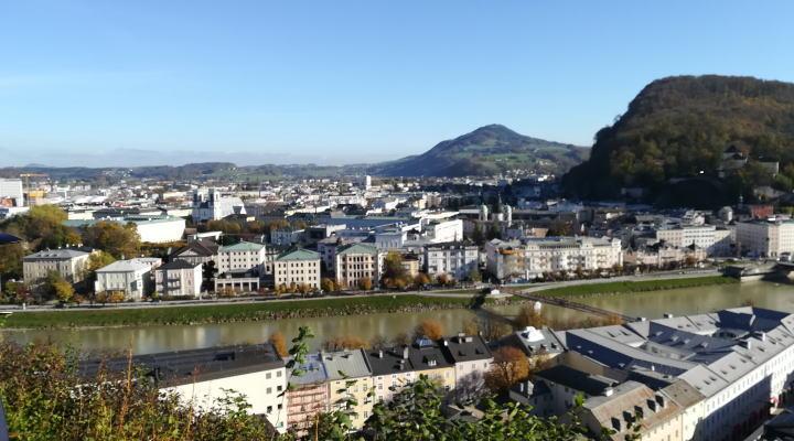 メンヒスベルクからザルツブルグの眺め