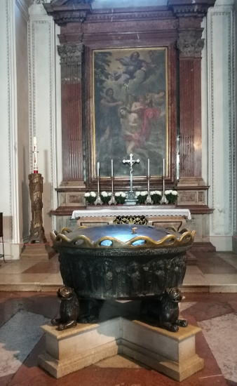 ザルツブルク大聖堂 モーツァルトの洗礼盤