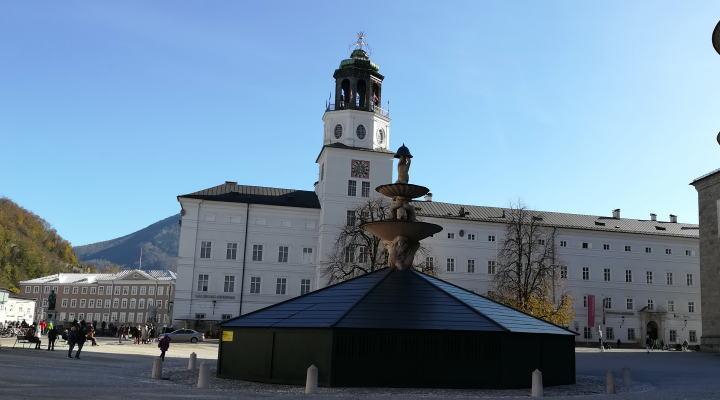 レジデンツ広場からモーツァルト広場