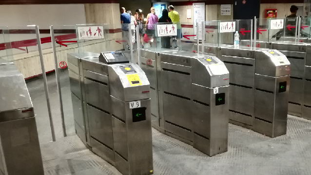 ローマ地下鉄メトロ 改札