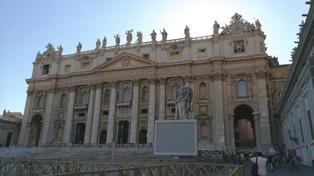 サン・ピエトロ大聖堂ファサード