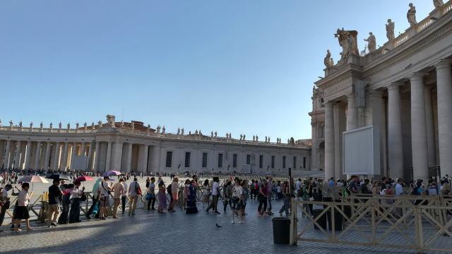 サン・ピエトロ大聖堂入場の行列