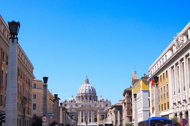 サンピエトロ広場への道
