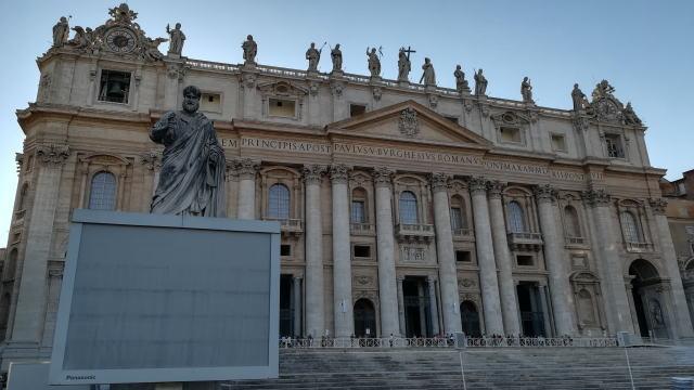サン・ピエトロ大聖堂 ペテロ像
