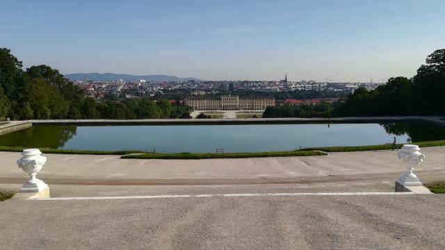 グロリエッテ前からのウィーン市内の眺め