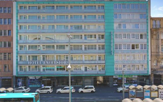 ホテル エクセルシオール 外観