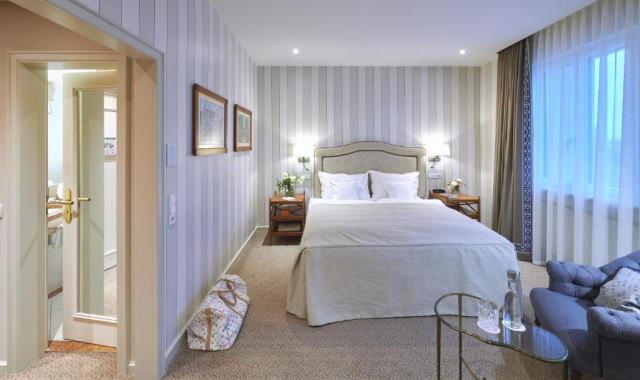 グランドホテル ヘンシャー ホフ ホテル フランクフルト 室内