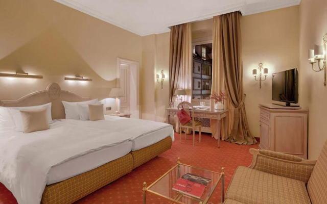 ホテル エクセルシオール 室内