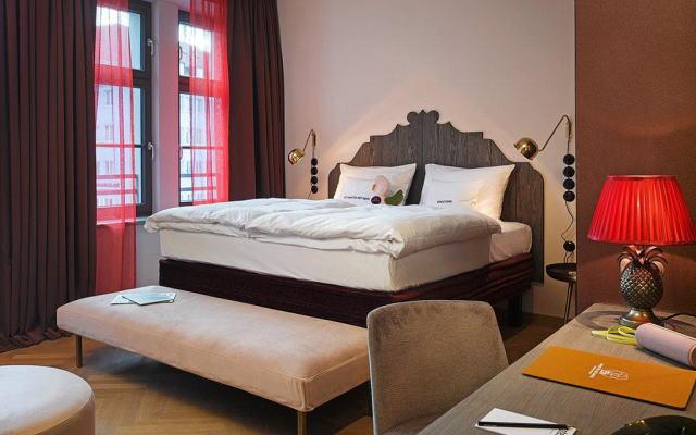 25アワーズ ホテル ザ ロイヤル バーバリアン 室内